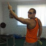 виталий, 33, г.Южно-Курильск