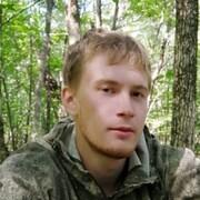 Антон, 25, г.Артем