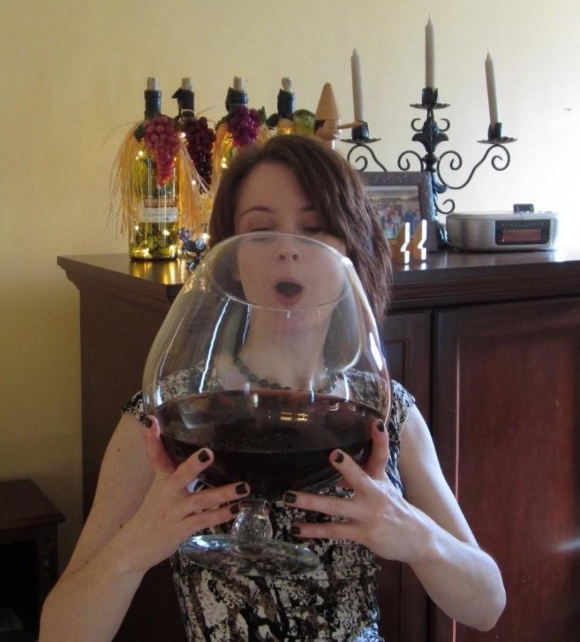 Картинки прикольные с бокалом вина, сувениров